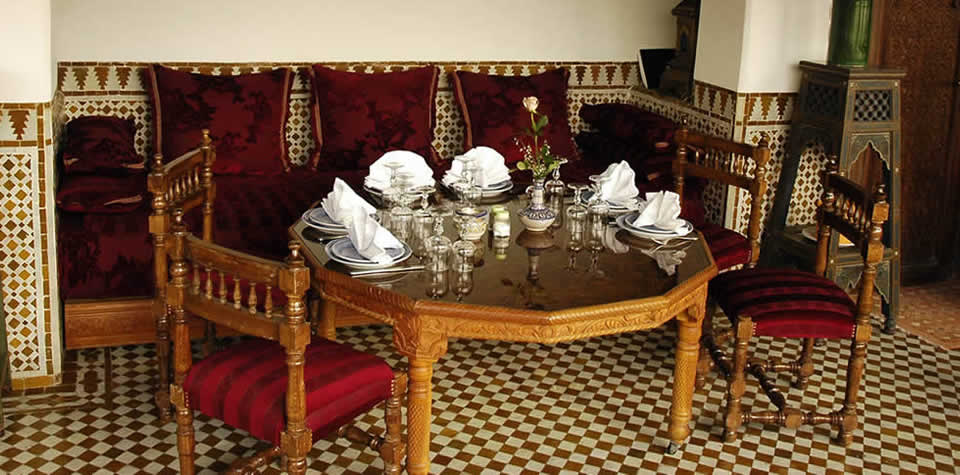 Moroccan Dinning Table 4