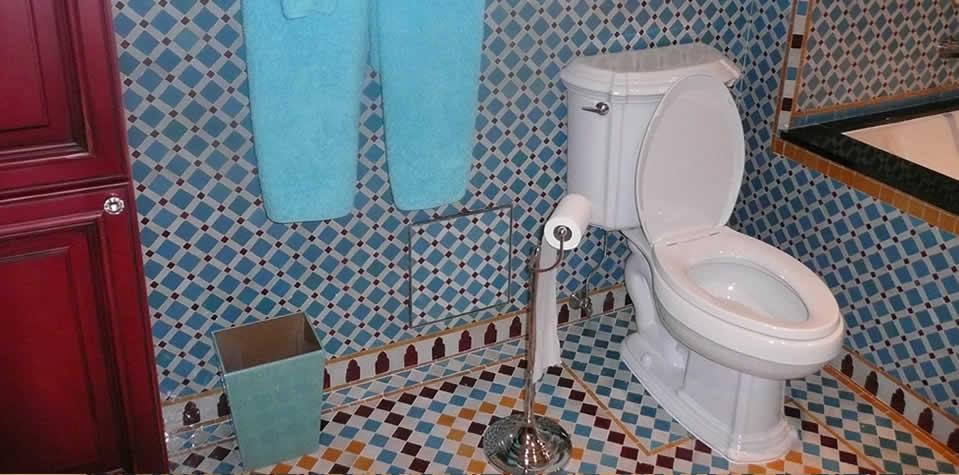 Moroccan tiles bathroom - Moroccon bathroom ...